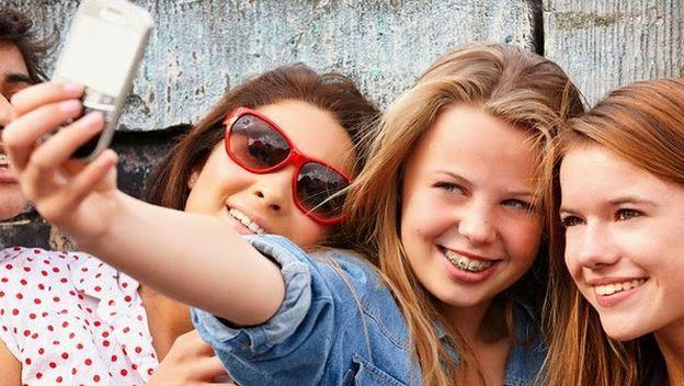 ADOLESCENTES Y JOVENES